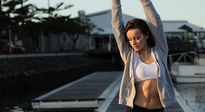 Prendre un bruleur de graisse pour perdre du ventre après l'accouchement